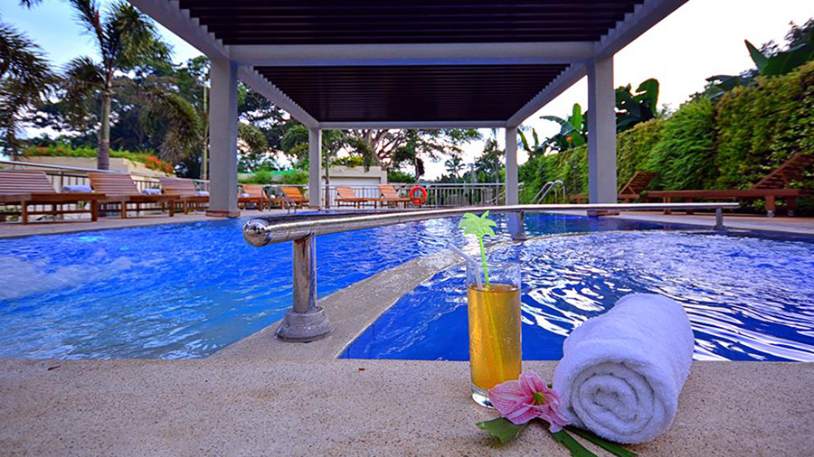 Munting-Paraiso-Pool-View