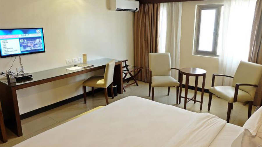 Mandarin Plaza Hotel- Cebu- Hotel accommodation Deluxe Double bed room