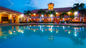 Subic Waterfront resort & Hotel Swimming pool