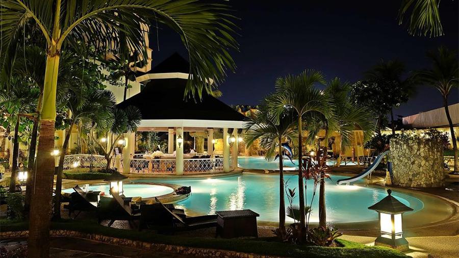 Waterfront Cebu City Hotel and Casino- Swimming pool Night View