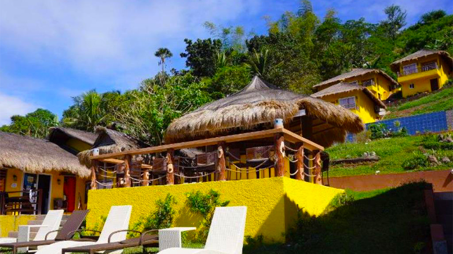 Buceo Anilao Beach and Dive Resort- Bar at the beach