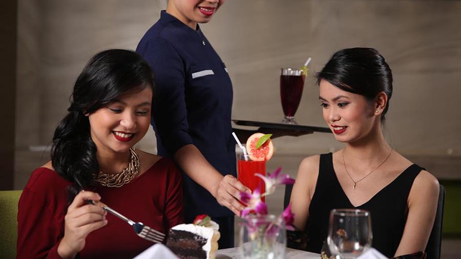 Belmont Hotel - Manila - Restaurant