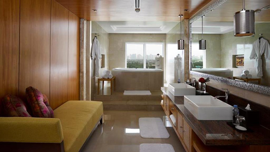 Marriott-Hotel-Manila-bed
