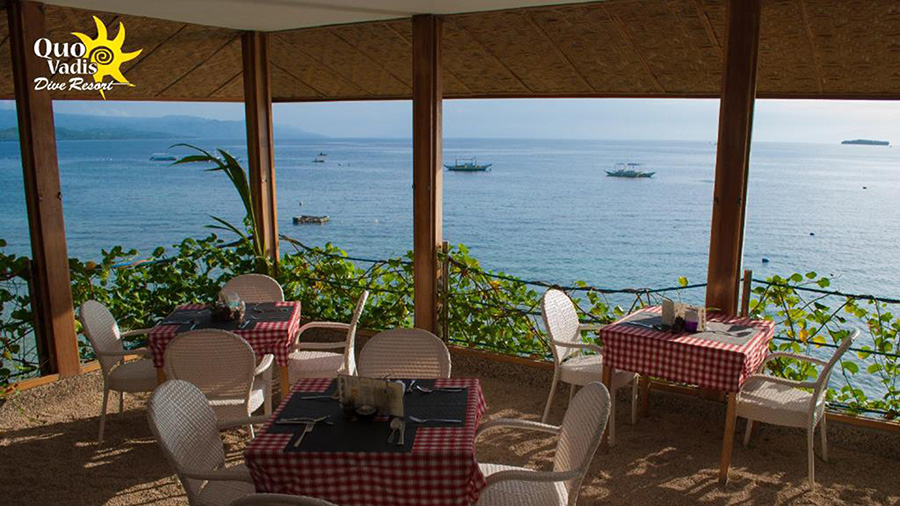 Quo-Vadis-Dive-Resort-Restaurant