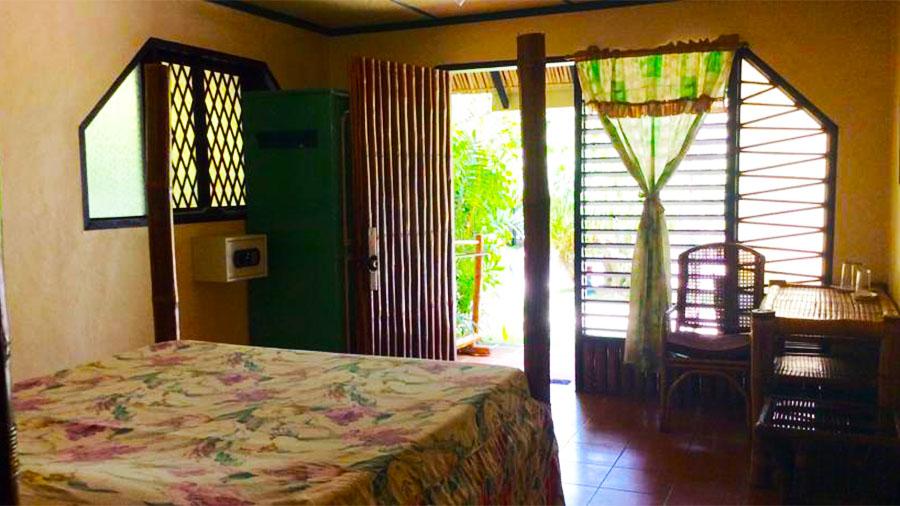 Ravenala Beach Resort Moalboal- accommodation