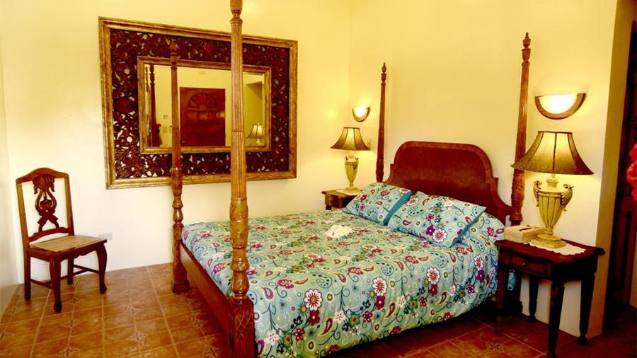 Turtle Bay Dive Resort Moalboal Cebu- bed room