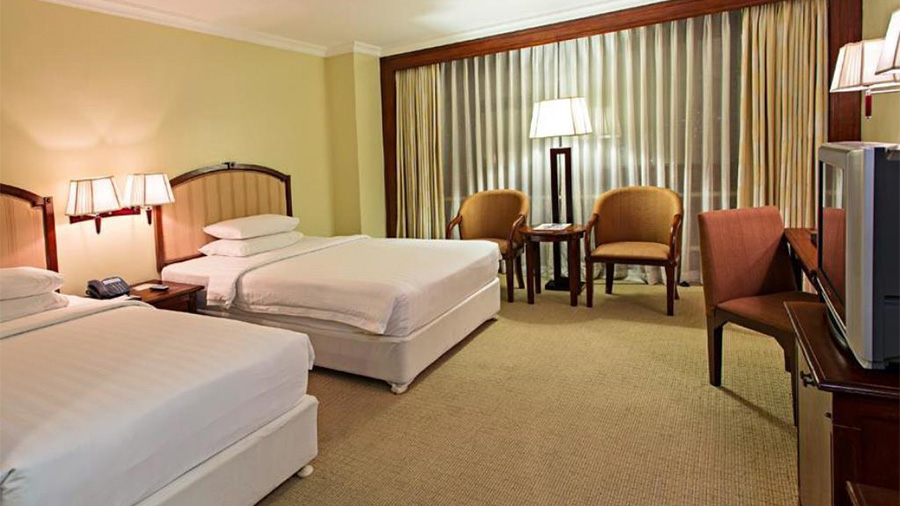 Cebu Parklane International Hotel- Accommodation deluxe Guest room