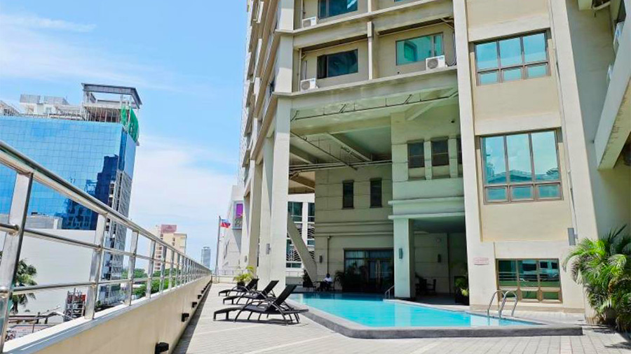Mandarin Plaza Hotel- Cebu- Building