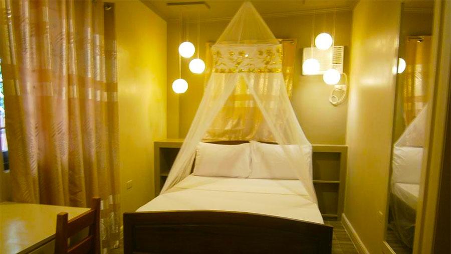 Summer Connection Puerto Galera- Accomodation bedroom Queen