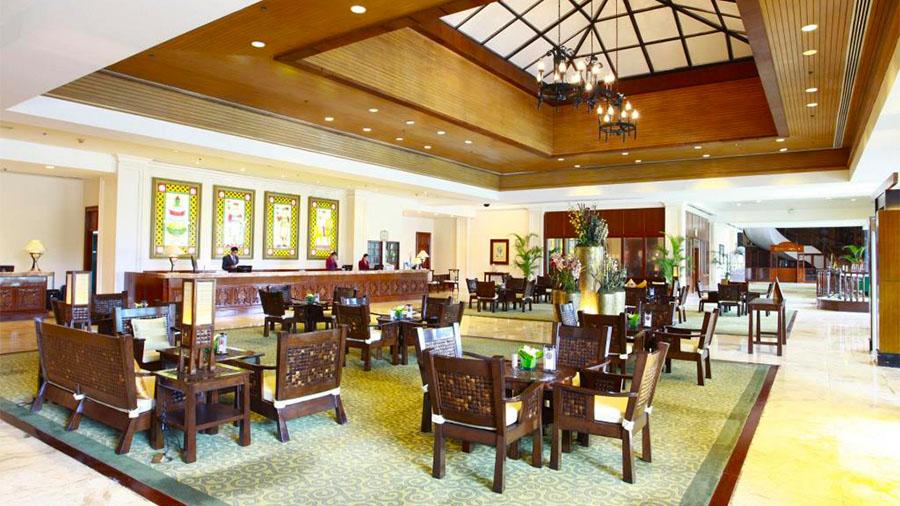 Waterfront Airport Hotel and Casino Mactan- Cebu Airport- Hotel lobby